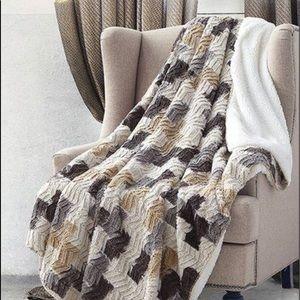 Brick Chevron Faux Fur Luxury Throw 50in x 70in